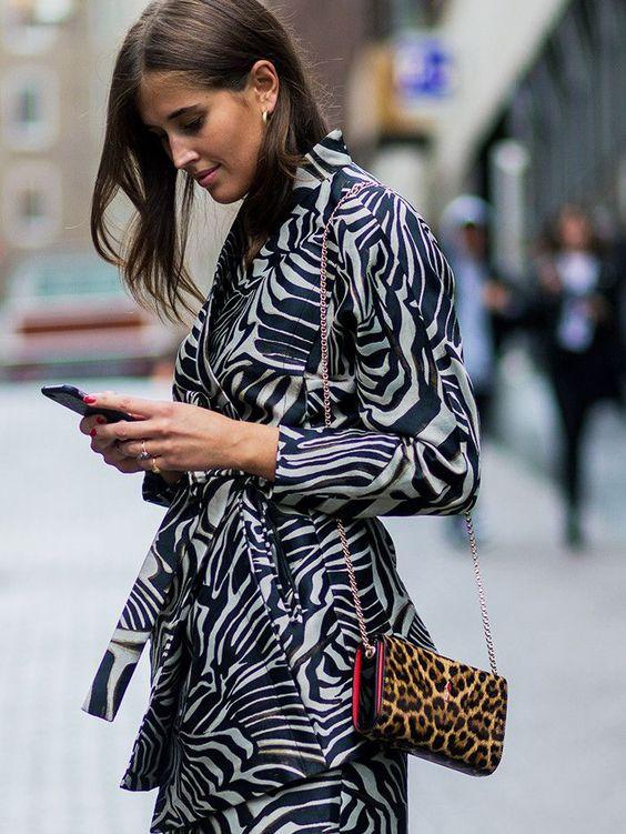 trench impirmé animal zebre et pochette leopard