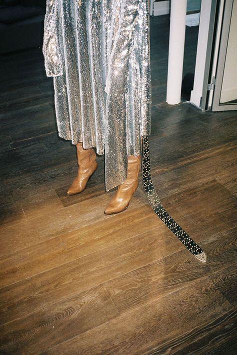 comment porter une robe en sequins et paillettes