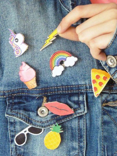 Le pin's: la tendance du moment pour customiser une veste!