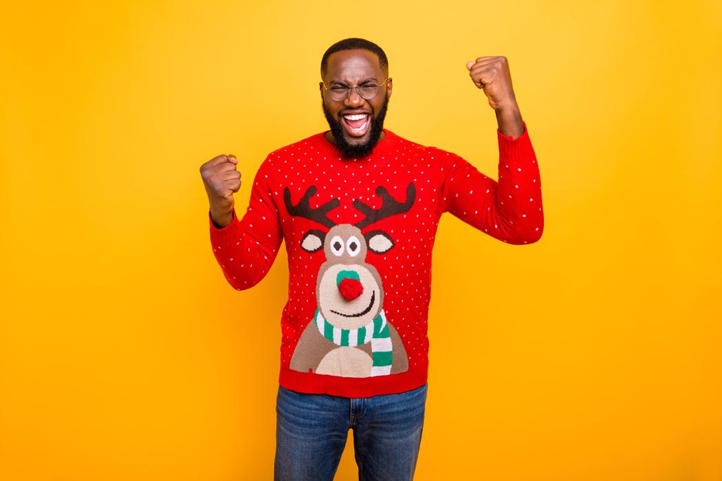 Pulls de Noël pour homme: d'où vient la tendance?