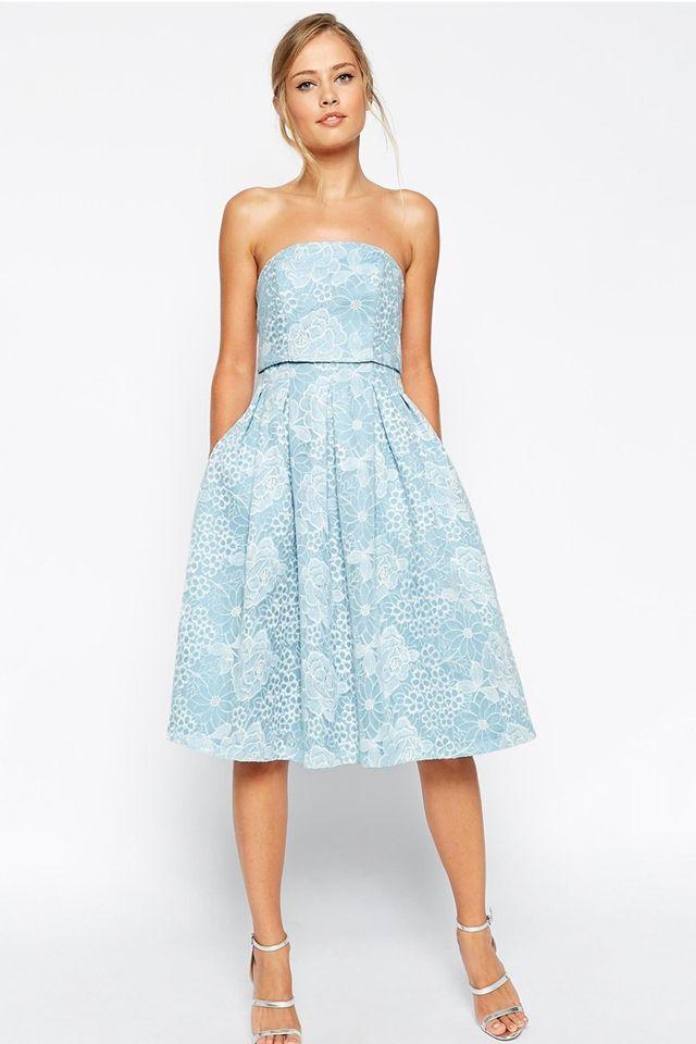 Comment porter la robe bleue ?