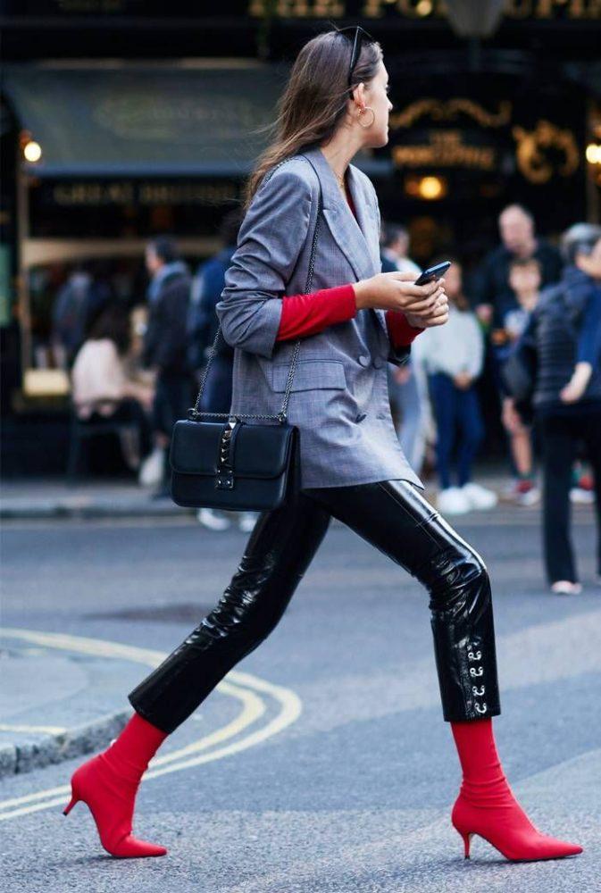 5 looks pour être tendance avec la bottine chaussette