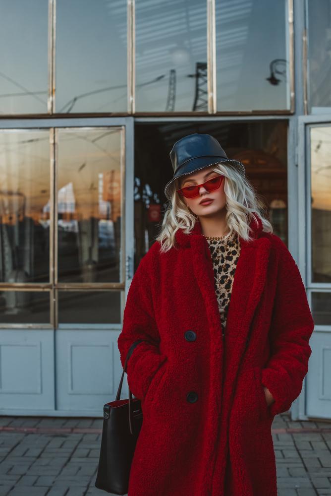 porter manteau rouge