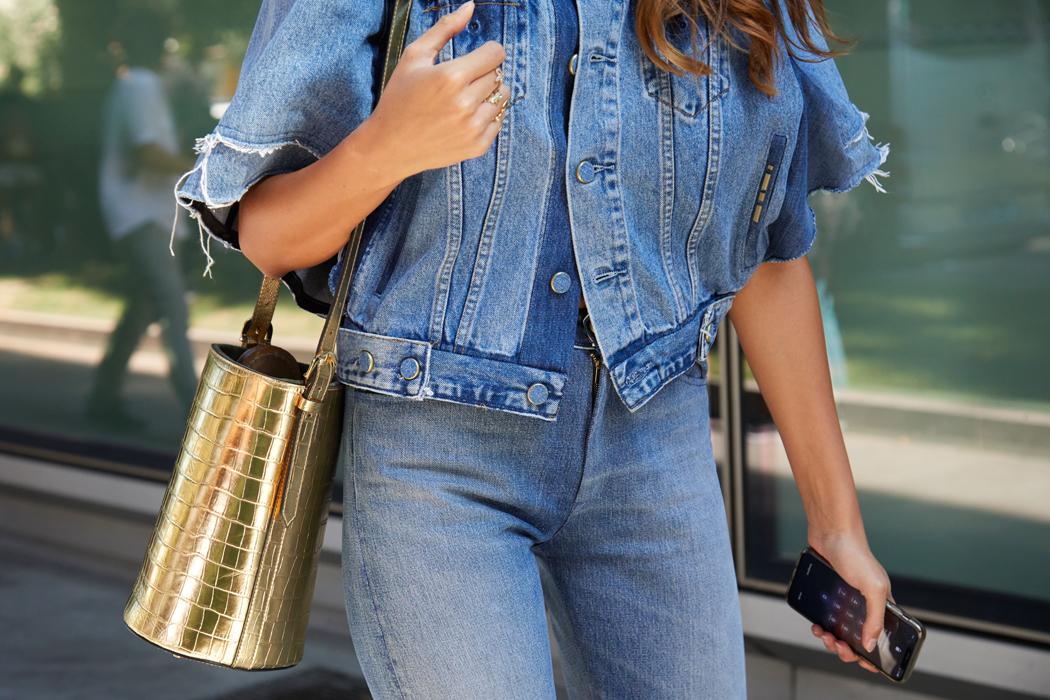 porter le jeans slim pour femme avec style
