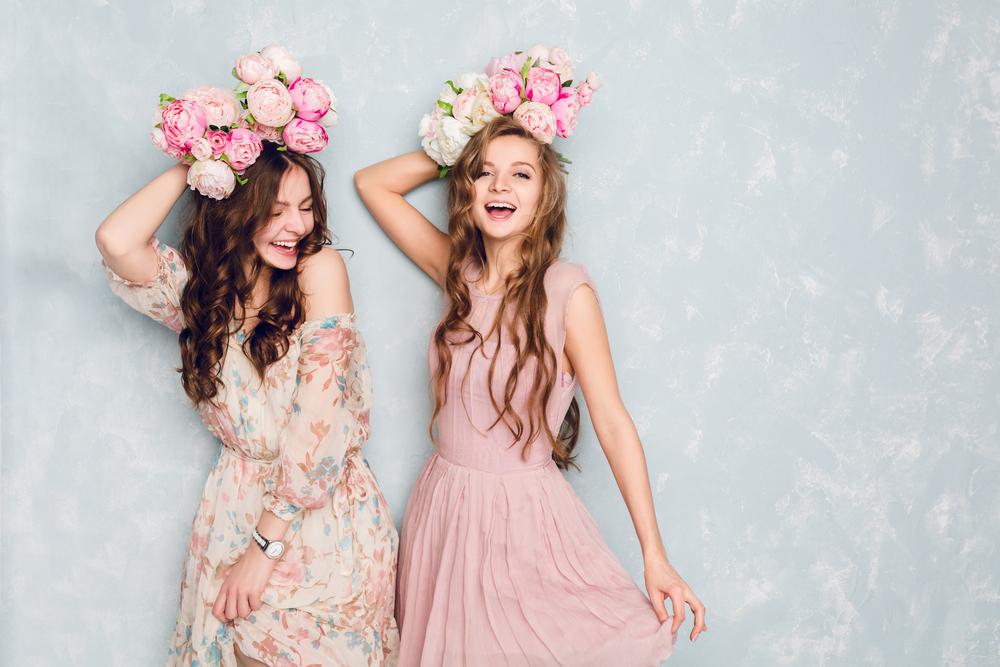 robe à imprimé fleuri pour un mariage