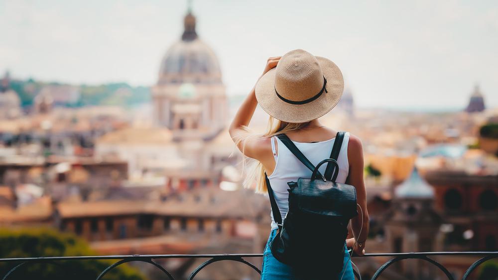 Quelles tenues pour les vacances Les pièces mode à glisser dans sa valise